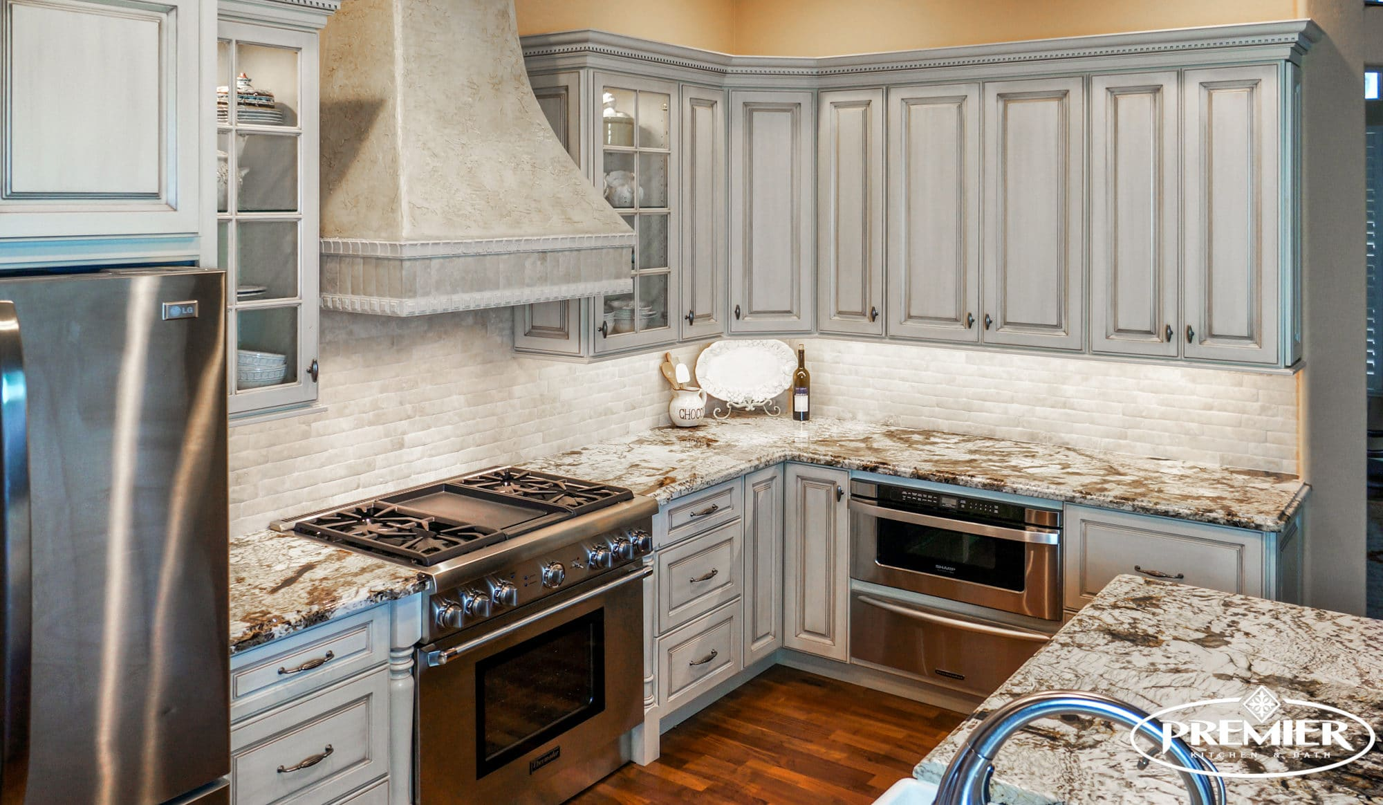 Enjoy Painless Kitchen Remodeling  Bathroom Makeovers  and Other Home  Remodeling Services with Premier Kitchen   Bath in Scottsdale and Phoenix   Arizona. Local Remodeling Contractors   Kitchen Bathroom Remodeling Designers